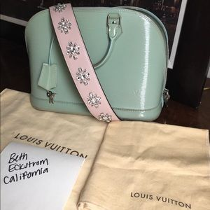 RARE Authentic Louis Vuitton electric epi alma